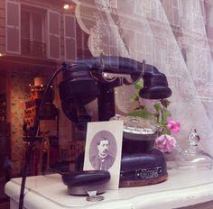 L'écrin de beauté, window display, spring 2014 - www.paperdolls.fr