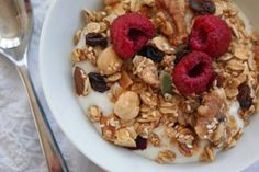 Killowen Farm yogurt features on the breakfast menu at Kelly's Resort in Rosslare and head chef Eugene Callaghan shared his delicious granola recipe with us Healthy Breakfast For Kids, Healthy Snacks, Breakfast Recipes, Healthy Eating, School Breakfast, Breakfast Menu, Breakfast Ideas, Kids Meals, Easy Meals