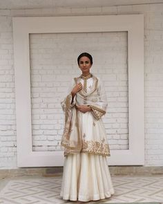 WEBSTA @ indianstreetfashion - A classic piece of work by @rimple_harpreet_narula .. gold and ivory cream make a perfect melange every time .. you can't go wrong ..#lehenga #outfit #traditionL #eud #rimpleharpreet