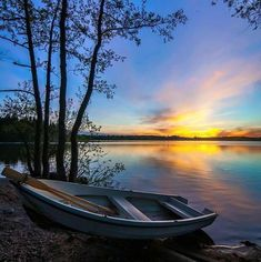 Sunset and a boat Beautiful Scenery Pictures, Nature Pictures, Pretty Pictures, Beautiful Landscapes, Landscape Art, Landscape Paintings, Landscape Photography, Nature Photography, Beautiful Sky