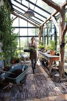 Best Pictures garden shed lean to Ideas Backyard outdoor sheds have various employs, such as putting home clutter along with backyard garden routine m. Lean To Greenhouse, Greenhouse Gardening, Greenhouse Ideas, Greenhouse Benches, Greenhouse Film, Greenhouse Attached To House, Porch Greenhouse, Simple Greenhouse, Greenhouse Wedding