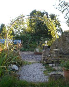 DIY Trampoline Garden Arch-8 Top Trampoline Hacks