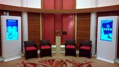 Pullmantur. Totem Medium interactivo Divider, Marketing, Medium, Room, Furniture, Home Decor, Flooring, Bedroom, Decoration Home