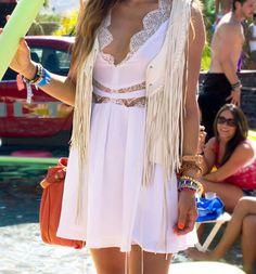 Fringe + Lace #fashionblogger #blogger