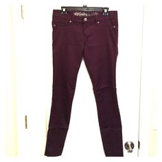 """Sold in bundle These express Jean leggings are so comfortable! Worn less than 10 times, very stretchy and for tight on a size 6. They hit right at my ankle but I am 5'11"""". I would describe the color as a purple/plum. 31"""" inseam. Express Jeans Skinny"""