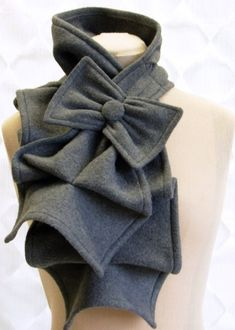 ruffled bow scarf This would look so cute with Brandi's coat Bow Scarf, Ruffle Scarf, Grey Scarf, Diy Accessoires, Inspiration Mode, Dress Me Up, Lehenga, Passion For Fashion, Casual