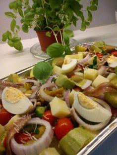 Σαλατα για ουζακι Party Buffet, Sweet Home, Greek Beauty, Ethnic Recipes, Food, Salads, Recipes, House Beautiful, Essen