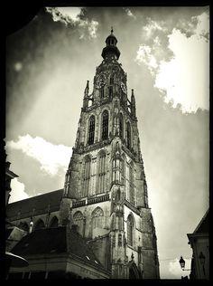 Onze Lieve Vrouwe Kerk of Grote Kerk in Breda by Angela Goossens, via 500px