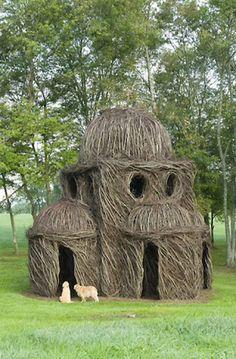 Patrick Dougherty's gigantic nests