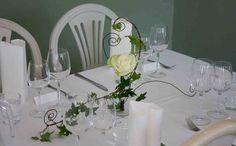 Wedding flowers by Valona Florana, design Elina Mäntylä www. Wedding Flowers, Table Decorations, Design, Furniture, Home Decor, Decoration Home, Room Decor, Home Furnishings, Wedding Ceremony Flowers