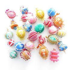 everyday plaid: camas christmas...beads and balls and the christmas tree...