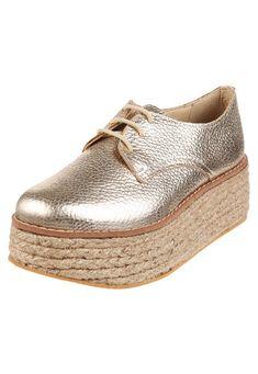 Zapato Dorado Foglia Narella