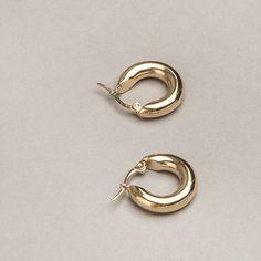Freja hoop earrings in Small - Common Muse