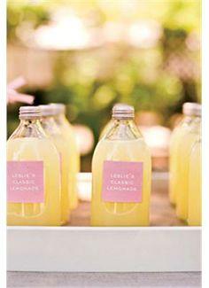 wedding guest kit, wedding flavors, wedding inspiration, #gamos, #wedding, Εmergency kit για καλεσμένους: Σαγιονάρες, βεντάλιες, ομπρέλες. Πάρτε ιδέες από αληθινούς γάμους - gamos.gr