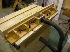 How to build Router Table Fence Plans PDF woodworking plans Router table fence plans Once you have acquired your router table top either by building your own or buying one ready made