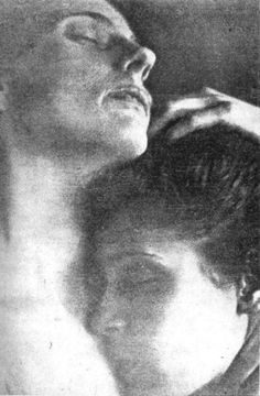 "Edward Weston, ""Tina Modotti & Pepe Quintanilla"" (1924)"