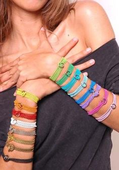 This is SO COOL <3 magnetic strands can be used to create bracelets, rings, necklaces, or headpieces.