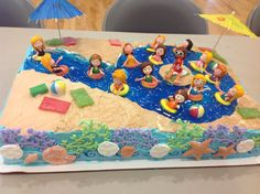 Swimming pool cake with a 9 lazy river