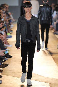 Diesel Black Gold Spring 2015 Menswear Fashion Show Fashion Show, Mens Fashion, Fashion Design, Ss 15, Modern Luxury, Spring 2015, Diesel, Menswear, Vogue