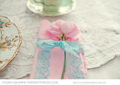 Photographer: Marianne Taylor. Florist: Steph Turpin. Via The Pretty Blog
