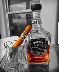 All things Jack Daniel's: Photo Tennessee Whiskey, Bourbon Whiskey, Whisky, Jack Daniels, Jack B, Holiday Drinks, Coca Cola, Whiskey Bottle, Cigars
