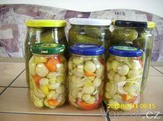 Velmi dobrý nálev na výborné okurky houby i zeleninu. Healthy Diet Recipes, Cooking Recipes, Fruit Preserves, Granola Bars, Kimchi, Pickles, Cucumber, Food To Make, Pesto
