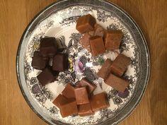 Hjemmelavet karamel med vanilie, dobbelt  chokolade og lakrids