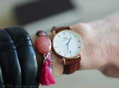 Daniel Wellington Dapper St Mawes Horloge Daniel Wellington is mijn favoriete horlogemerk. Ik draag mijn zwarte DW horloge echt altijd! Hij staat overal bij, zit comfortabel om mijn pols en staat heel classy en tijdloos… View Post