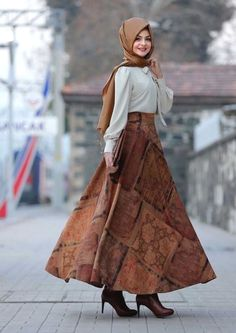 Stylish Skirt with Blouse Outfit Fashion for Hijabie Look Girls Hijab Style & Hijab Fashion Ideas Source by dresses hijab Pakistani Fashion Casual, Modern Hijab Fashion, Street Hijab Fashion, Islamic Fashion, Muslim Fashion, Modest Fashion, Fashion Outfits, Fashion Ideas, Casual Outfits