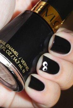 Popping eyes nail design