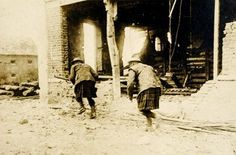 Scottish soldiers in an ambush on the Aisne front
