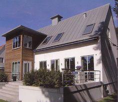 ColonialEast: Grått tak? Velfac Cottages, Loft, Mansions, Architecture, House Styles, Outdoor Decor, Home Decor, Arquitetura, Cabins
