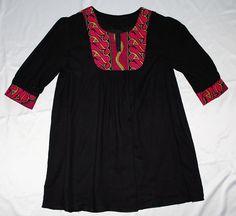 Tunika med bærestykke i afrikansk mønster