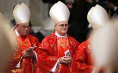 Cardeal argentino Jorge Bergoglio celebra missa em honra ao papa João Paulo 2º na Catedral de Buenos Aires, em 4 de abril de 2005  CNBB: Novo papa é homem muito simples e próximo ao povo