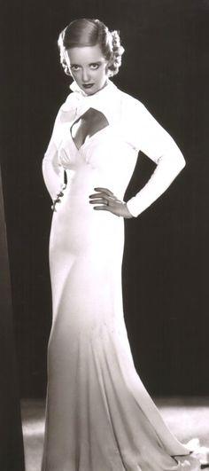 Bette Davis in Ex-Lady (1933)