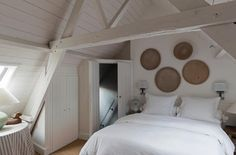 A Joyful Cottage: Living Large In Small Spaces - Apartment Groeninghe