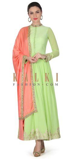 Buy this Green anarkali suit with contrast pink dupatta only on Kalki Color Combinations For Clothes, Good Color Combinations, Designer Punjabi Suits, Indian Designer Wear, Kurta Patterns, Dress Patterns, Anarkali Dress, Anarkali Suits, Indian Dresses