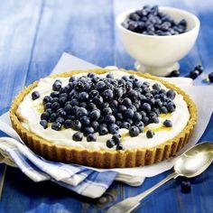 Tarte crémeuse aux bleuets frais   .coupdepouce.com Pie Recipes, Dessert Recipes, Dessert Aux Fruits, Sweet Pie, Fruit Tart, Deserts, Favorite Recipes, Sweets, Baking