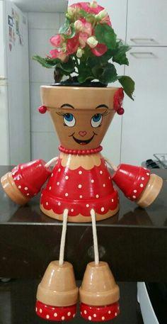 Decorations made of ceramic pots – 18 projects… Unglaubliche DIY Blumentopf Dekor Flower Pot Art, Flower Pot Design, Clay Flower Pots, Flower Pot Crafts, Flower Pot People, Clay Pot People, Clay Pot Projects, Clay Pot Crafts, Diy Clay