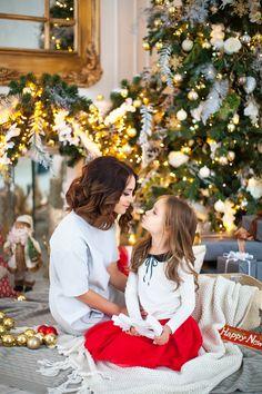 Fotos de familia Hair Color Ideas two tone hair color ideas Family Christmas Pictures, Holiday Pictures, Kids Christmas, Family Photos, Creative Photography, Family Photography, Book Infantil, Foto Fun, Princess Photo