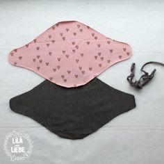 Kostenlose Anleitung und Schnittmuster für Kinderhalstuch! Dieses schicke Halstuch für Kinder ist super schnell genäht und eignet sich prima für Stoffreste!