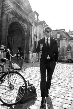 Giovanni Bonamy in A Parisian Affair, photographed by Robertino Paris for Caleo Magazine