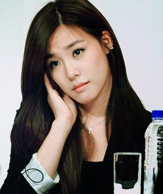 Tiffany Hwang SNSD Girls' Generation Gorgeous in Black