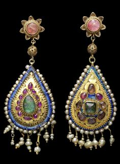 Persian Qajar gem-set gold earrings. 19th century