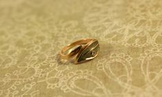 Avon Leafglow Gold Tone Ring with Rhinestone - Vintage 1979 by FrogTears on Etsy