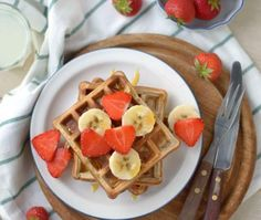 Wafels met havermout en yoghurt Tapas, Brunch, Thermomix Desserts, Pancakes And Waffles, Food Pictures, Breakfast Recipes, Clean Eating, Food Porn, Low Carb