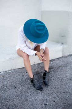 Turquoise teal felt hat fall black and white style black boots booties ankle rag and bone fall winter