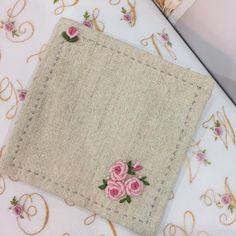 """184 次赞、 2 条评论 - 봄빛퀼트&자수 (@bom33) 在 Instagram 发布:""""11월 25일 아침 자수.. #embroidery #자수타그램 #김해장유자수샵 #김해장유자수수업 #봄빛퀼트자수#자수티매트"""""""