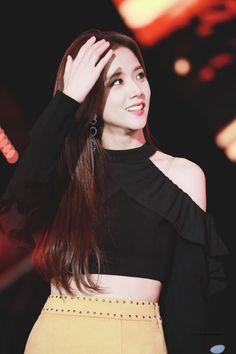 "ATTRCTIVE on Twitter: ""181014 BBQ 지수 #BLACKPINK #JISOO #블랙핑크 #지수  PERFECT… "" Kim Jennie, Jisoo Do Blackpink, Blackpink Jisoo, Kpop Girl Groups, Korean Girl Groups, Kpop Girls, Yg Entertainment, K Pop, Idol 3"