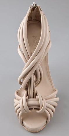 Ports 1961 Geisha Sandals fashion These vintage shoes are amazing! Pumps, Stilettos, High Heels, Shoe Boots, Shoes Sandals, Ankle Boots, Nude Sandals, Nude Shoes, Heeled Sandals